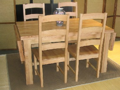 the natural rubberwood dining table set
